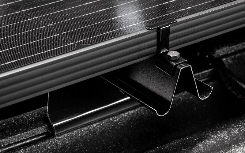 rauli-aurinkopaneelien kiinnitysjärjestelmä